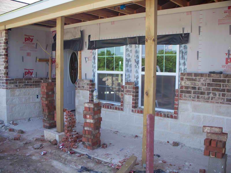 2-Gonzalezs-Residence-Brick-1