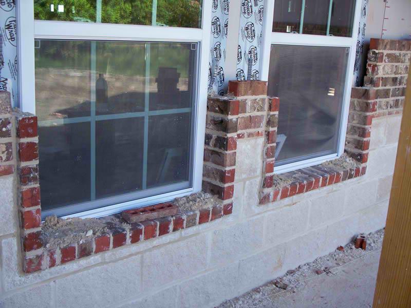 3-Gonzalezs-Residence-Brick-2